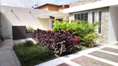 Tucanalinmobiliario Vende Casa Urb La Floresta 18-13218 Mv