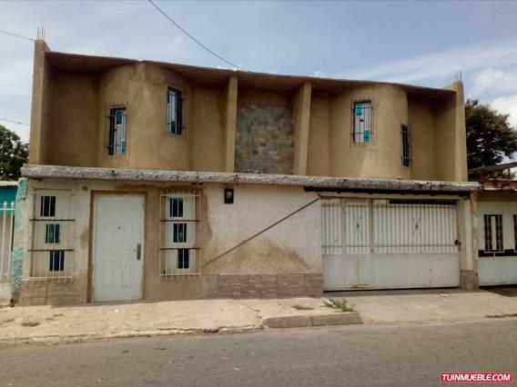 Casas En Venta 042433103.08