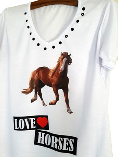 Camiseta Estampa Cavalos Detalhe Em Pedraria