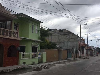 Casa En Venta, Colonia 1ro De Mayo. Cuatro Recármas.