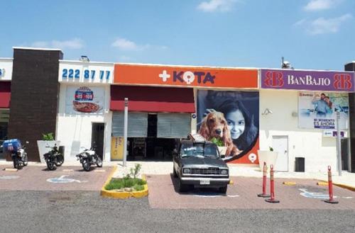 Imagen 1 de 6 de Local Comercial En Renta En Plaza Comercial Muy Bien Ubicada, Colinas Del Cimatario, Centro Sur, Qro