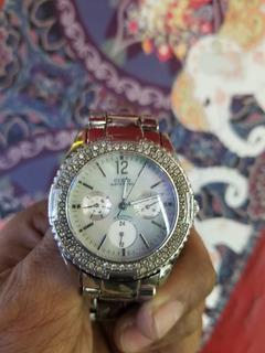 Reloj Guest