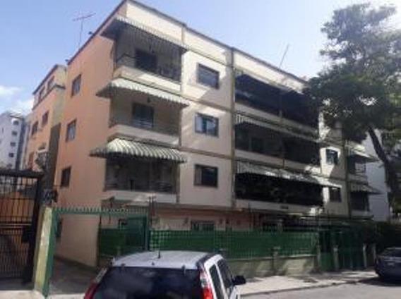 Maritza Gonzalez Vende Apartamento En Bello Monte 19-13180