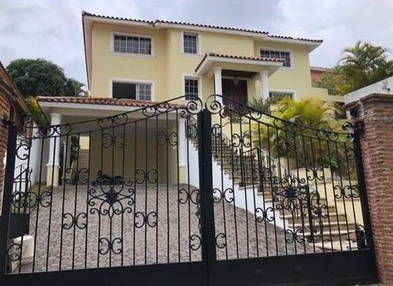 Venta Y Alquiler De Hermosa Casa Amueblada En Arroyo Hondo 3, Santo Domingo