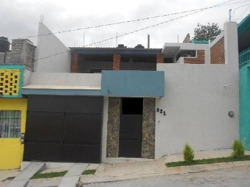 Casa En Venta En Morelia En Col. Lomas Del Pedregal