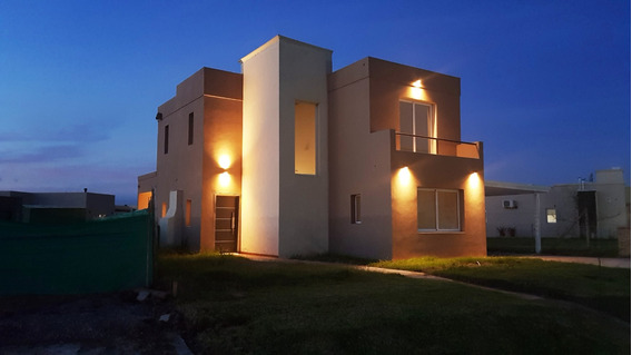 Hermosa Casa Funcional A Metros De La Autopista Apto Crédito
