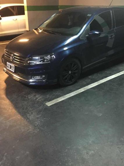 Volkswagen Polo Confortline At