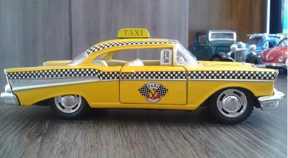 Miniatura Taxi Chevrolet Bel Air 1957 Escala 1/32