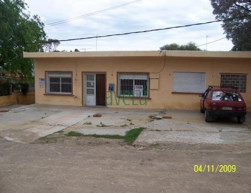 Local En Piriã¡polis, Playa Hermosa   Avelu Ref:733- Ref: 733