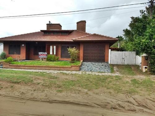 Excelente Casa!!  Barrio San Rafael, Mar De Ajo!!
