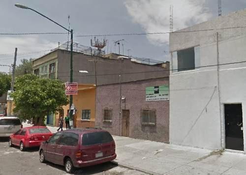 Casa Para Demoler Y Construir, Adjudicada, Col. Moderna