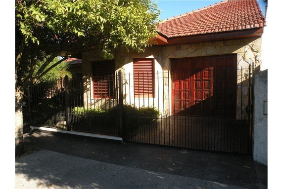 Casa A La Venta De 3 Dormitorios En Romero
