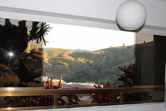 Apartamento En Lomas De Prado Del Este #19-3565