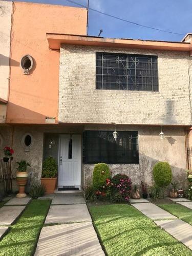 Bonita Casa Sola En Venta En Santa Ana Tlapaltitlan