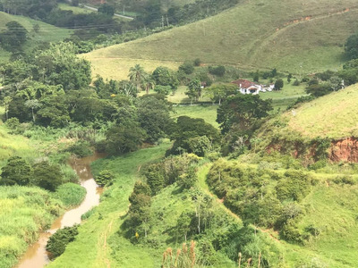 Fazenda Em Valença Rio De Janeiro , Próximo A Divisa Com Minas, 89 Klm Do Rio De Janeiro , Com 310 Ha , Casa Boa, Rio , Curral , Toda Formada. - 4301