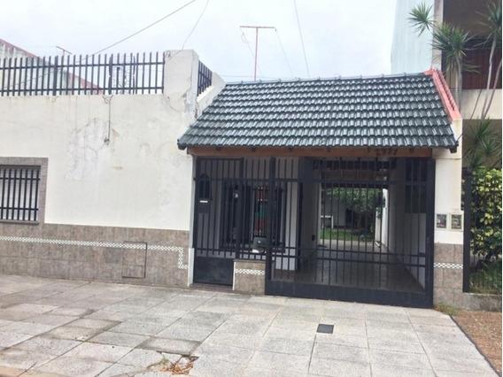 Casa 3 Ambientes En Venta En Villa Luzuriaga