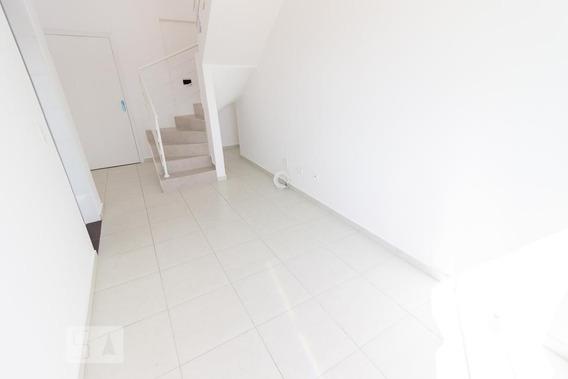 Apartamento No 4º Andar Com 2 Dormitórios E 1 Garagem - Id: 892980456 - 280456