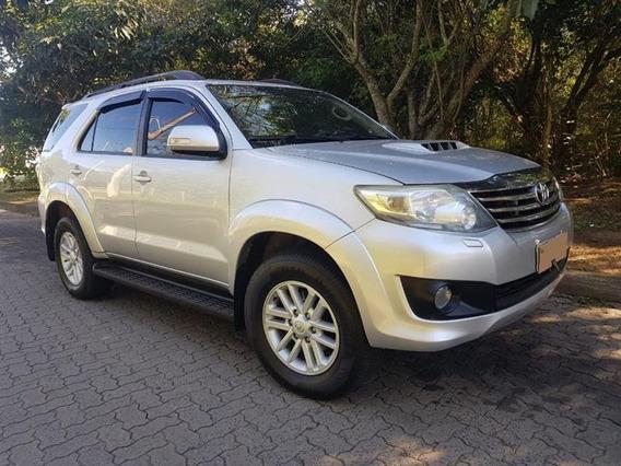 Toyota - Hilux Sw4 Cd Srv 4x4 3.0 Tdi Diesel - 7 Lugares