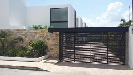 Se Renta Hermoso Town House Amueblado En La Zona De Altabrisa En Mérida