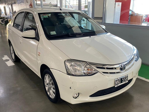 Ginza. Toyota Etios Xls 1.5 6m/t 4p 2014