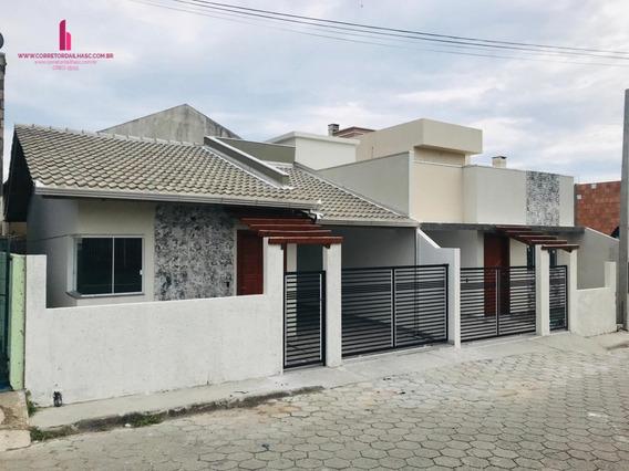 Casa A Venda No Bairro Ingleses Do Rio Vermelho Em - C655-1