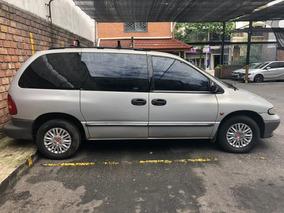 Chrysler Caravan 3.3 Se Gris Plata 3 Filas Automatico