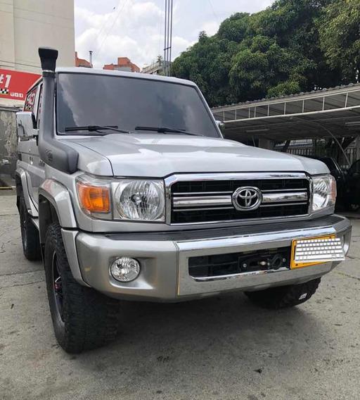 Toyota Macho 2015 4.0 Grj71