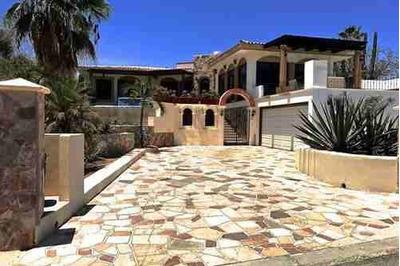 En Venta Excelente Casa Con Alberca Y Vista Al Arco En Cabo San Lucas