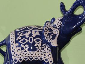 Escultura Em Faiança Elefante Azul Com Manto Branco