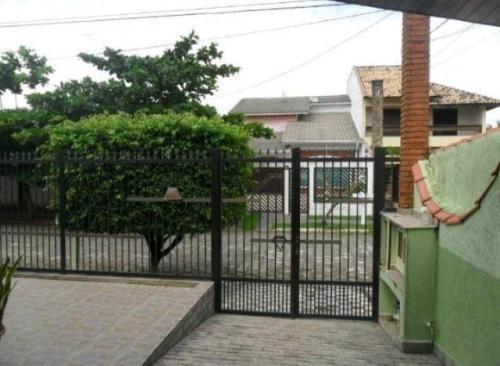 Vendo Ótima Casa À Uma Quadra Do Mar Em Peruíbe - 6165   Npc
