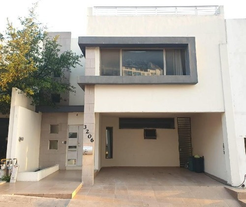 Casa Sola En Renta En Colinas Del Valle, Monterrey, Nuevo León