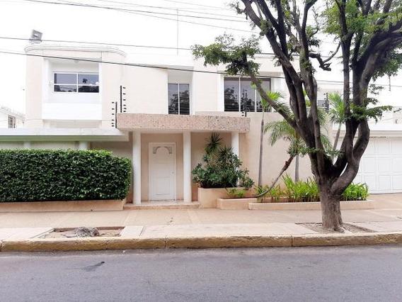 Casa En Venta. Avenida Baralt. Mls 20-22574. Adl.