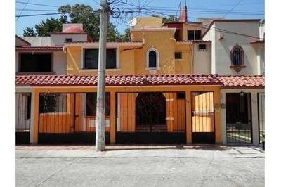 Casa En Renta En Fraccionamiento La Esmeralda