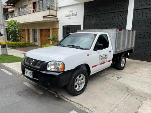 Nissan Frontier  4x2 Gasolina Estacas