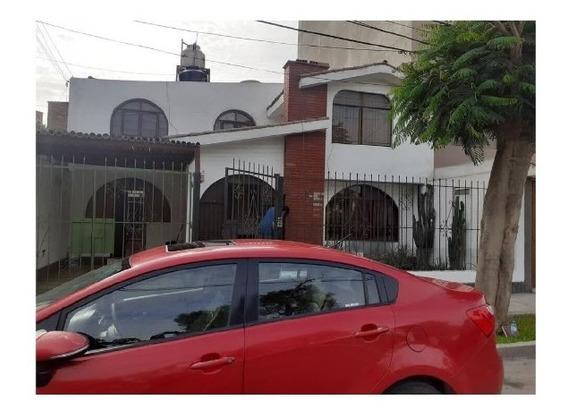 Vendo Hermosa Casa O Como Terreno De 205.50 M2 Chorrillos