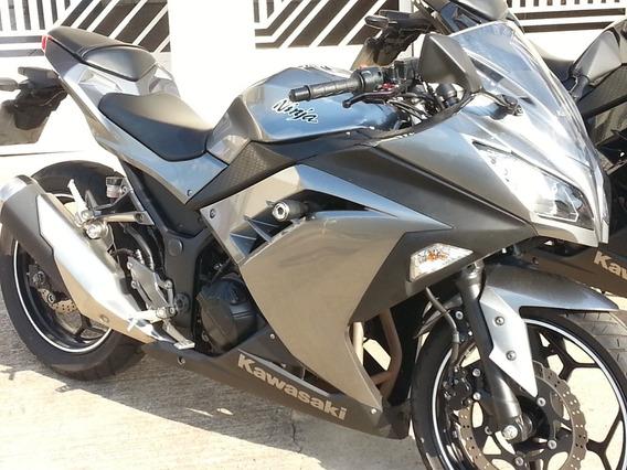 Kawasaki Ninja 300 - 2014 Impecável