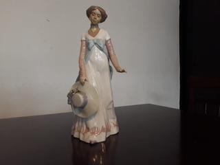 Figura Mujer De Colección Nadal