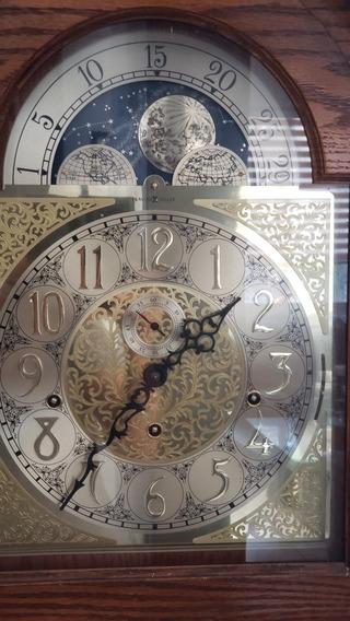 Reloj De Piso Grandfather Howard Miller