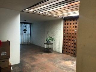 Casa En Venta De 1 Piso En Novelistas, Cd. Satélite
