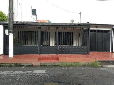 Se Vende Casa Central Barrio Las Americas