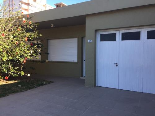 Venta Casa 2 Dormitorios En El Centro De La Ciudad