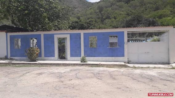Casa En Venta En El Playon Ocumare