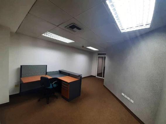 Dolores Alquila Oficinas En Av. 5 De Julio. Banco Industrial