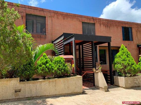Casas En Venta 19-13506 Elizabeth Vargas 04241281984