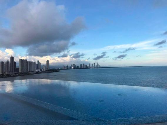 Apartamento En Venta En Punta Pacífica 20-910 Emb