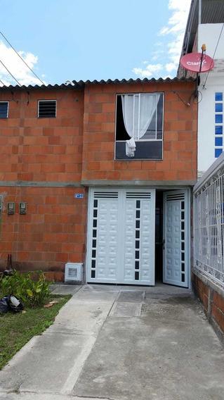Venta De Casa Cerezos De La Italia, Palmira 502.