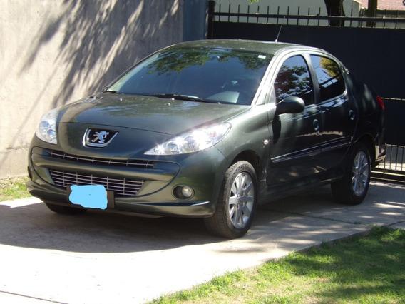 Peugeot 207 Feline 2013 (xt) Full Sedán
