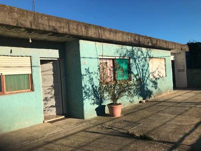 Casa Padrón Único,4 Dormitorios ,2 Baños Y Garages.
