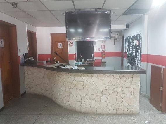 Rah: 20-1203. Local En Venta En Del Este