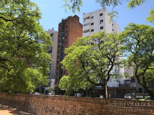 Departamento En Venta De 3 Dormitorios En Barrio Guemes